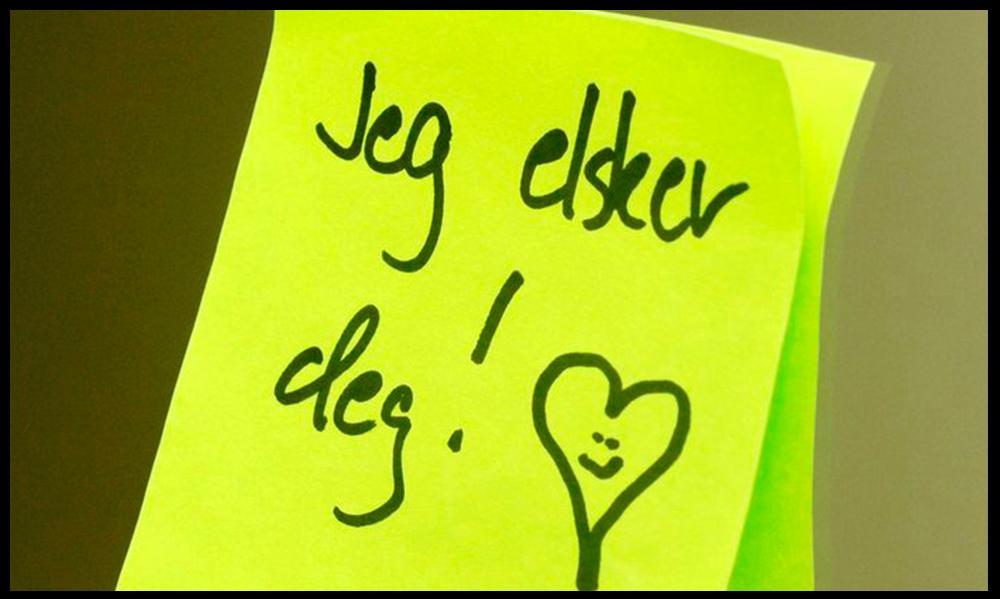 """En gul lapp med påskrifta """"Jeg elsker deg"""" og et hjerte. Foto."""
