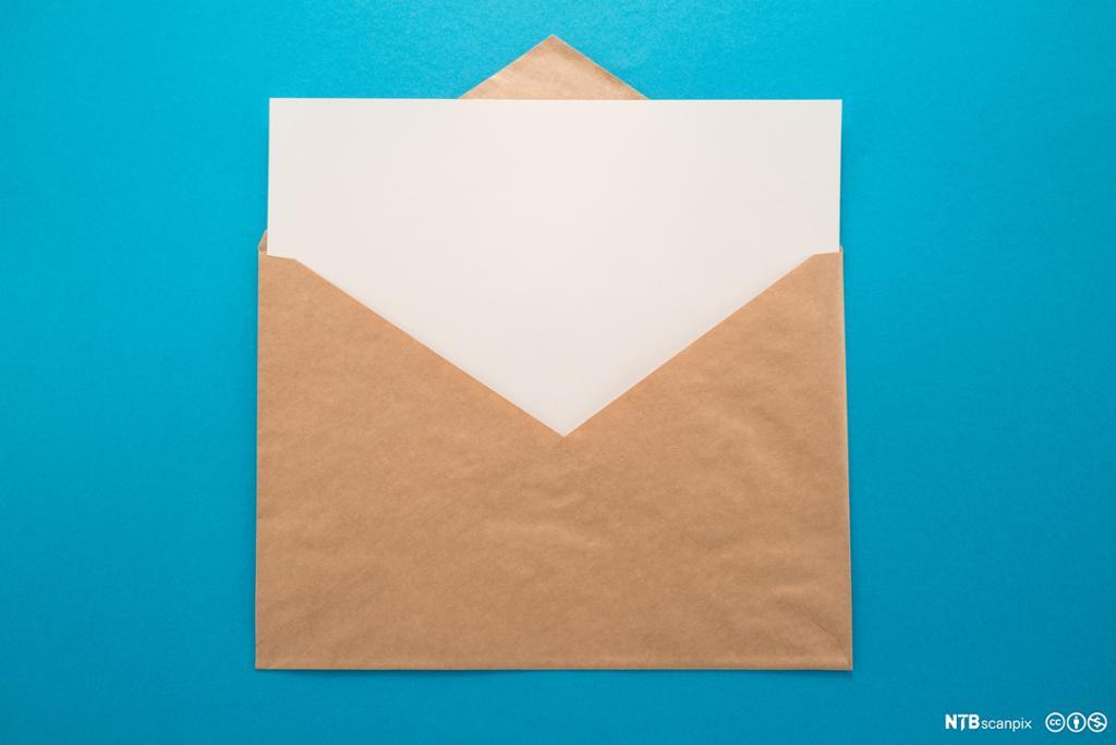 Konvolutt og brev. Foto.