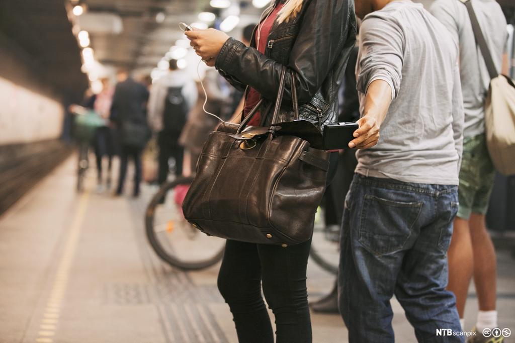 Lommetyveri på t-bane. Foto.