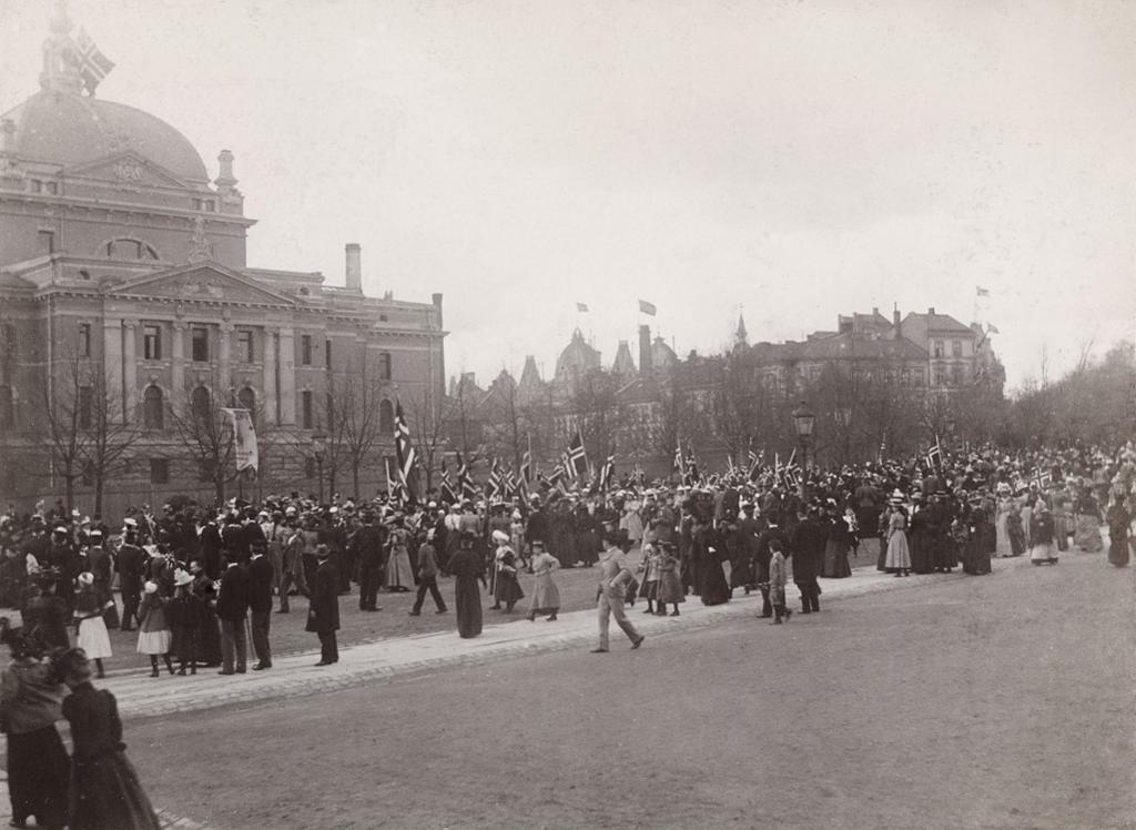 17. maitog 1898. Foto.