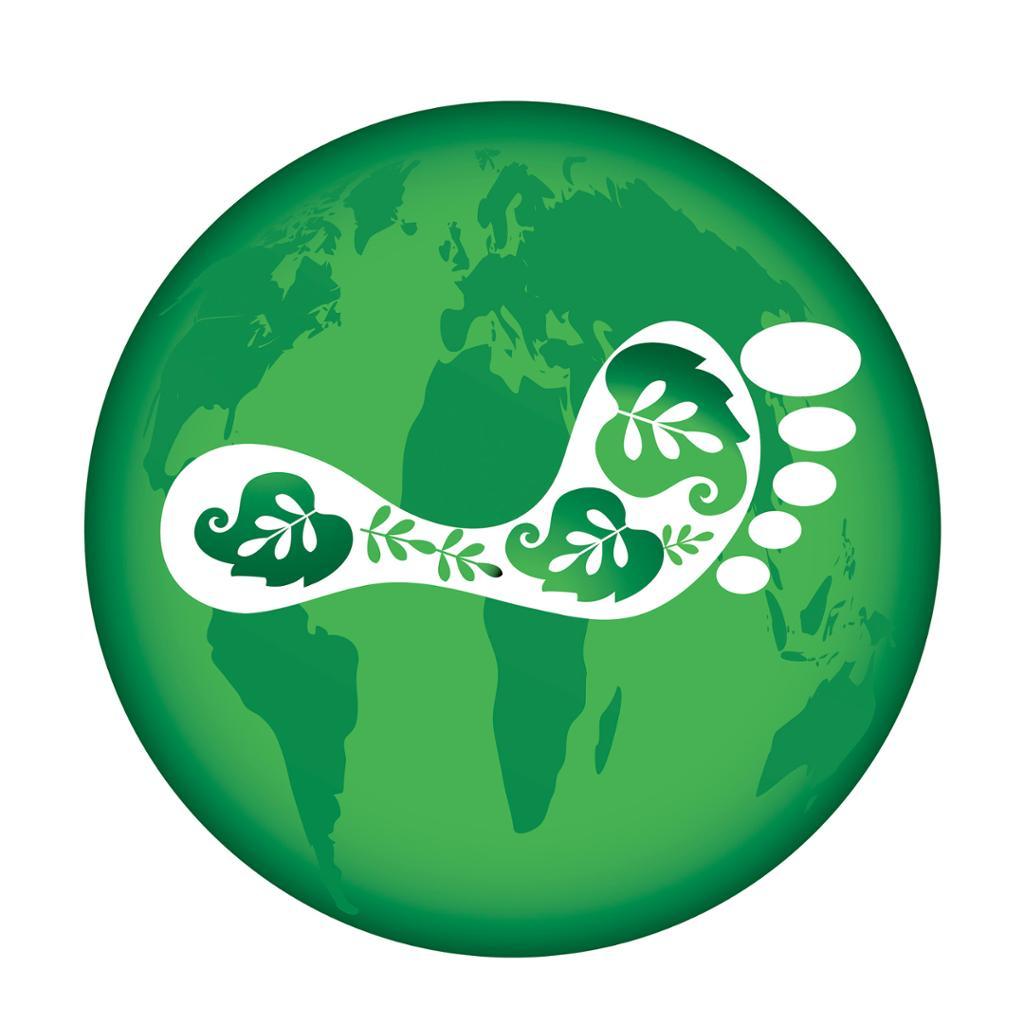 Grønn klode med øko-fotavtrykk. Foto.