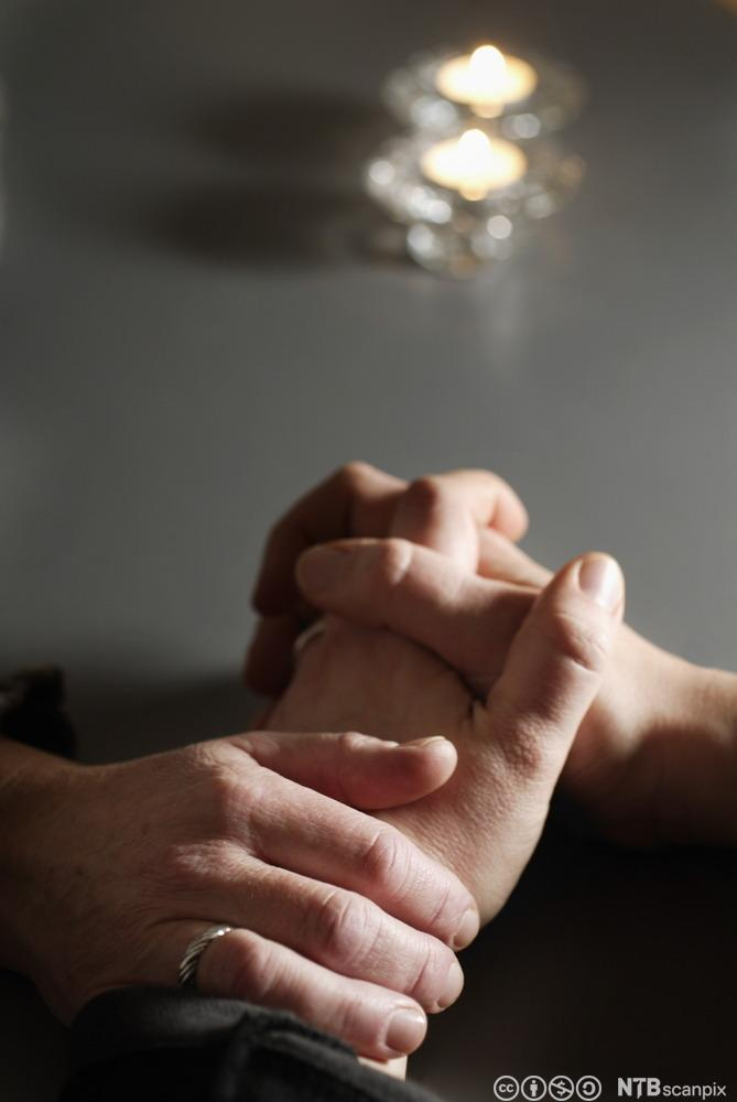 To par hender. Foto.