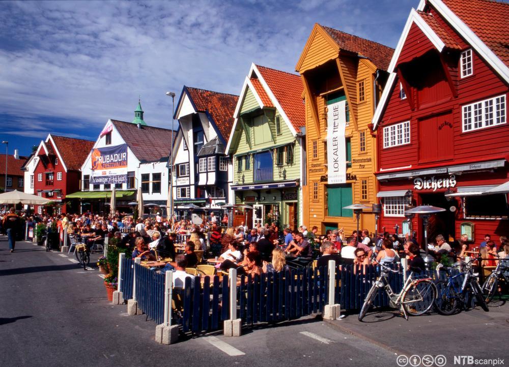 Restaurantar på kaien i Stavanger. Foto.