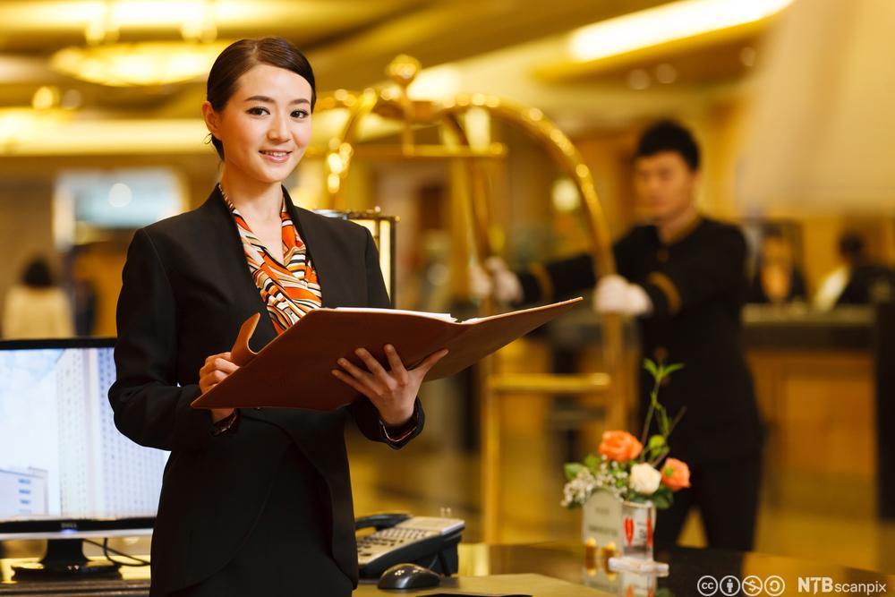 Resepsjon på hotell. Foto.