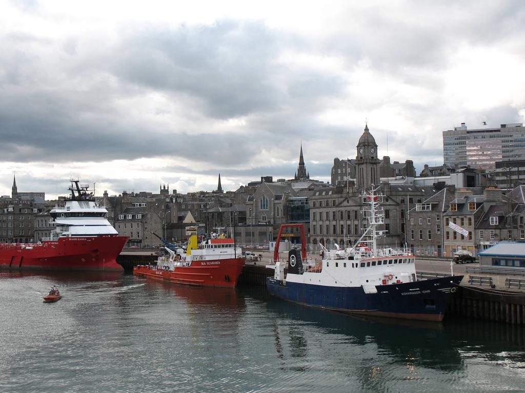 Aberdeen trawlers. Photo.
