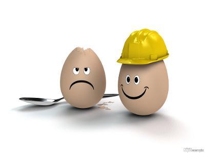 Hjelmbruk illustrert med egg med og uten hjelm. Illustrasjon.