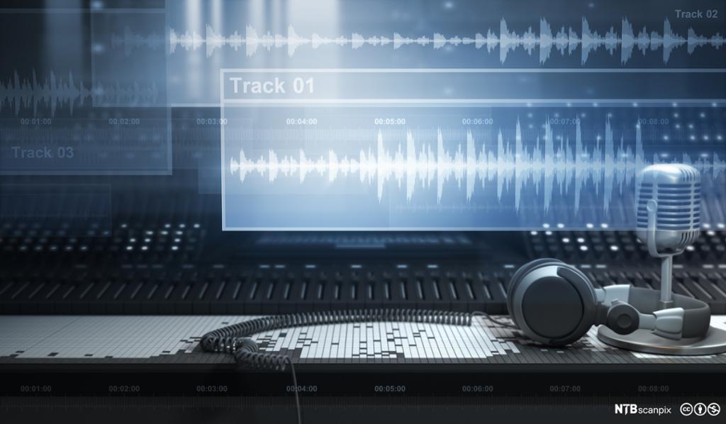 Mikrofon og skjerm med digitale lydspor. Foto.