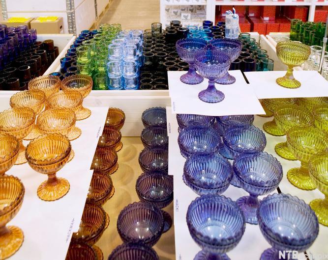 Glasprodukt utstilte Iittalabutikk. Foto.