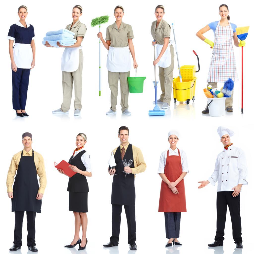 Ung smilende servitør kokk og renholder. Foto.