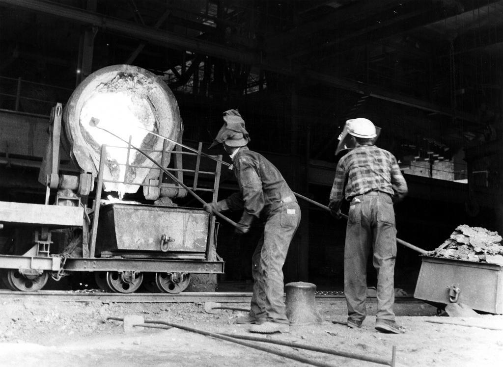 Arbeidere på Ila og Lilleby smelteverk i Trondheim på 60-tallet. Foto.