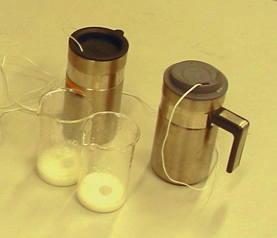 To termokopper med temperaturfølere. Foto.