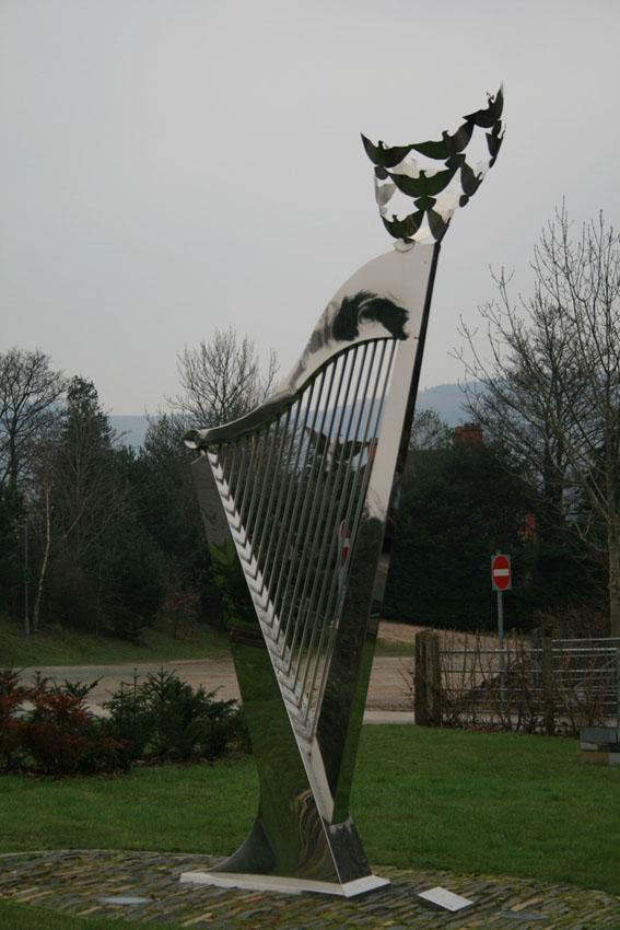 Llangollen harp. Photo.