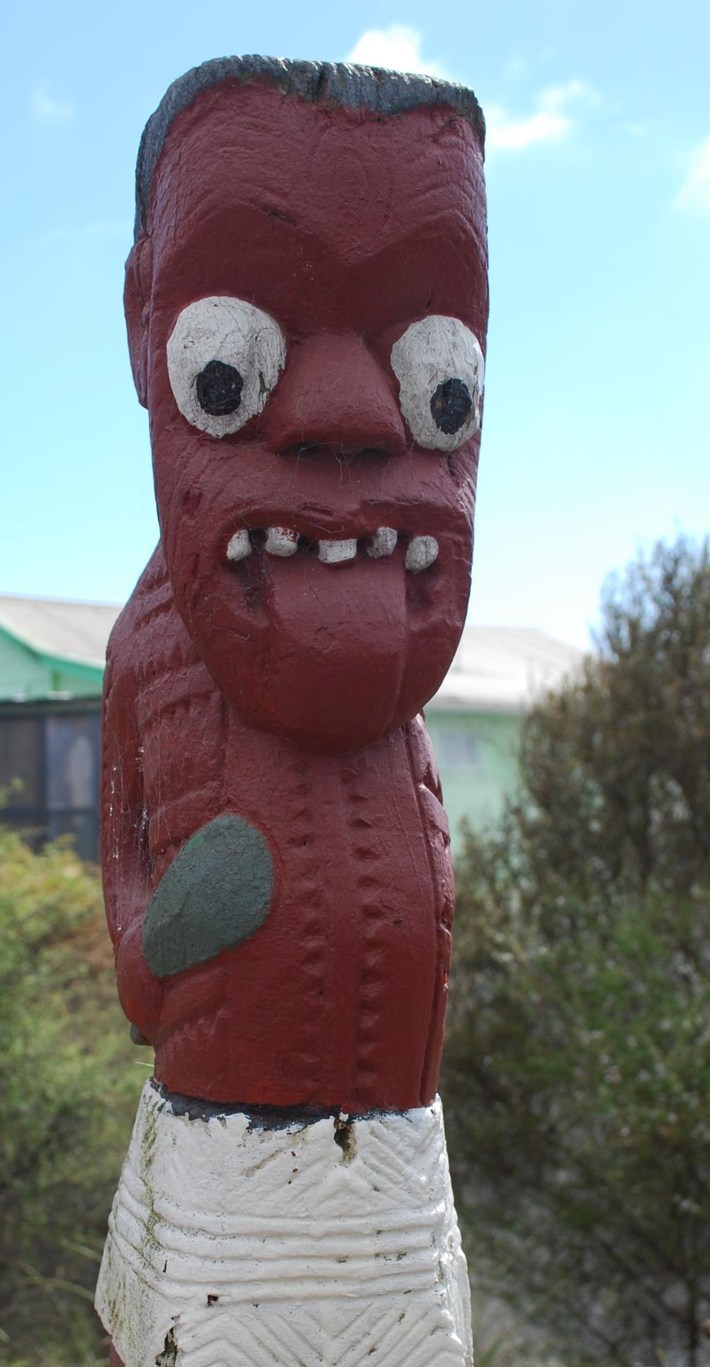 Maori Sculpture. Photo.