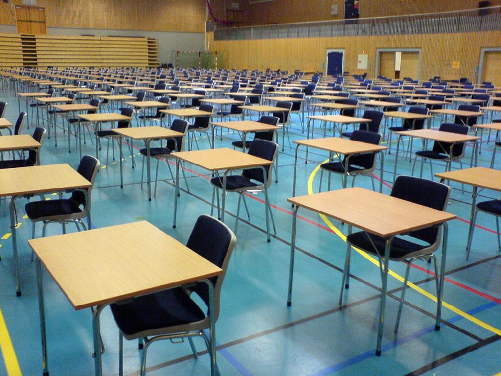 Et lokale klart til skriftlig eksamen