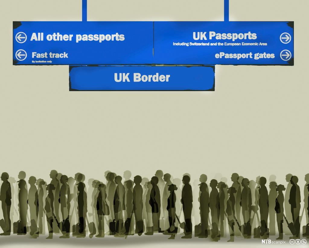 Long queue for passport control at UK border