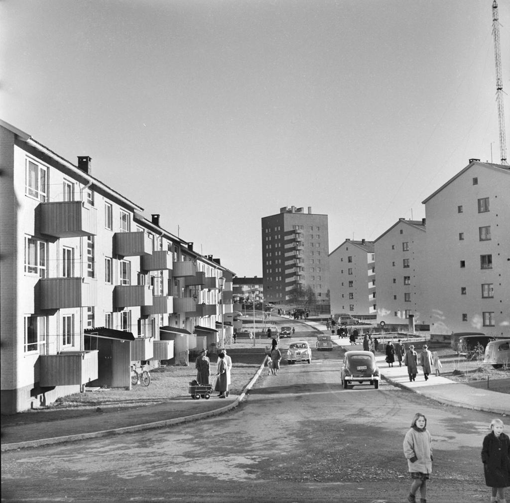 Blokkbebyggelse i Antenneveien på Lambertseter, Oslo 1958. Foto.