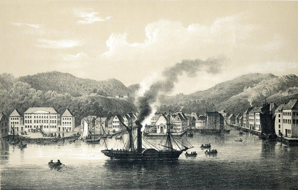 Arendal sett fra sjøsiden med havna med flere typer små og store båter. Litografi.