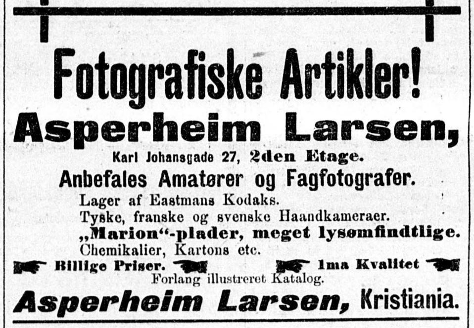 Annonse for Olaf Asperheim-Larsens fotografiske artikler. Foto.