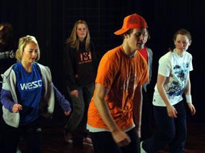 ungdommer danser breake