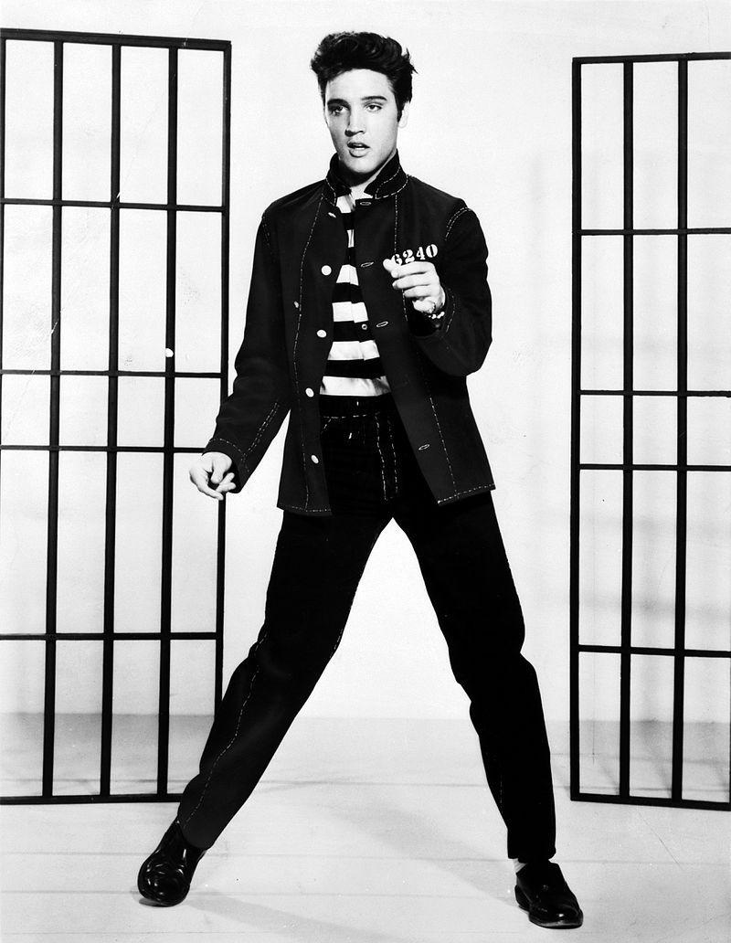 Elvis Presley i promotering for filmen Jailhouse Rock. Foto.