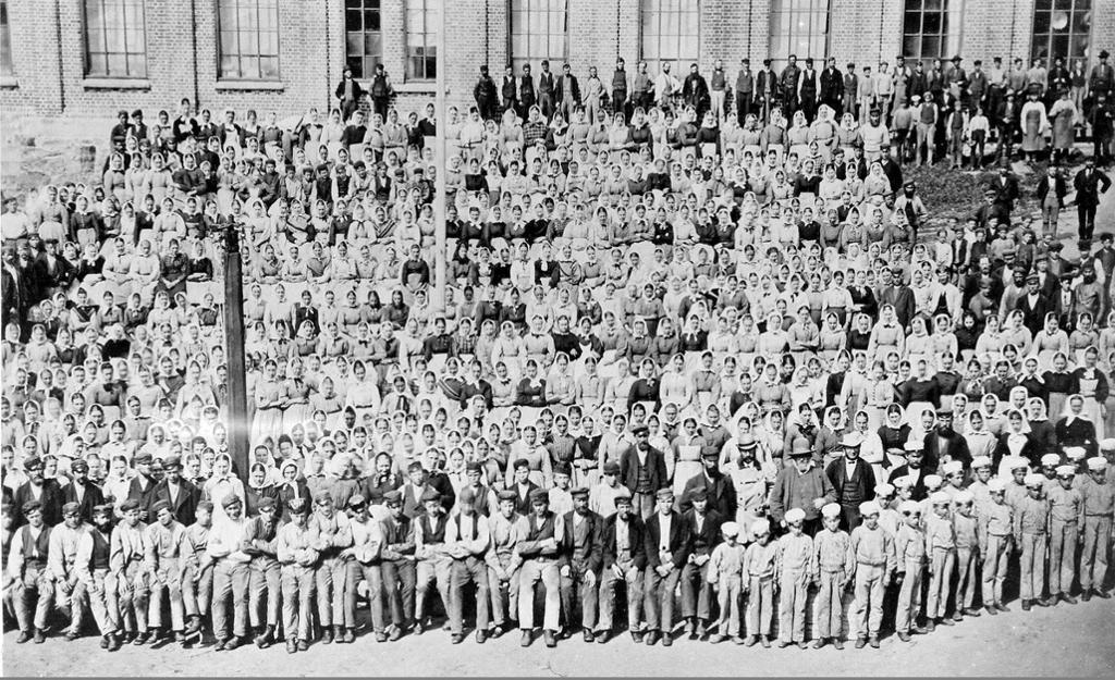 Fabrikkledelse og arbeidere, Nydalens Compagnie, 1877. Foto.
