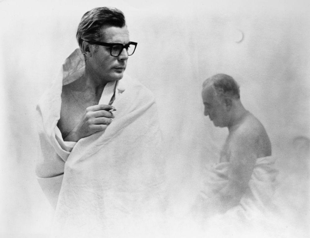 filmscene fra Federico Fellinis film 8 1/2