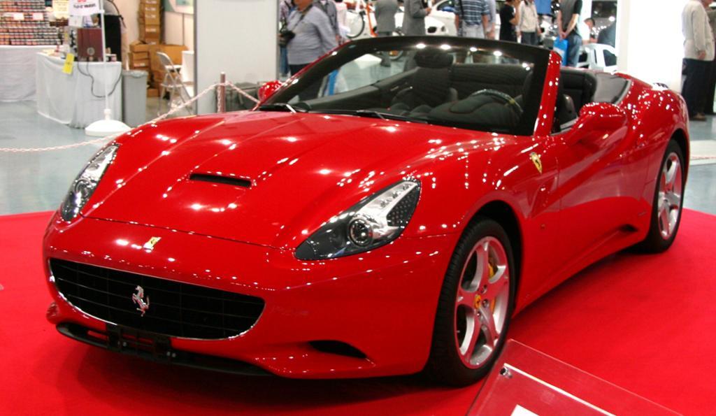 Rød Ferrari. Foto.