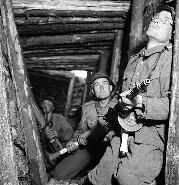 Finske soldater under offensiv i Karelen i 1944. Foto.
