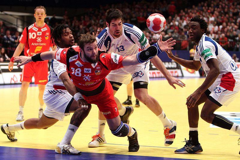 Håndballkamp mellom Island og Frankrike. Foto.