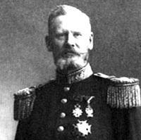 Bildet viser generalmajor Alf Lund i full uniform