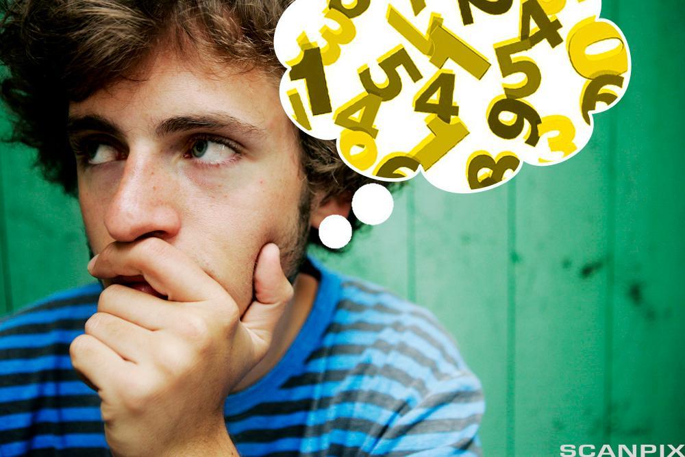 Gutt tenker på tall.Foto.