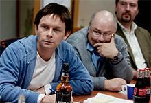 """Richard Henriksen (t.v.), Jan Gunnar Røise og Ingolf Karinen under innspillingen til filmen basert på Se og Hør journalisten Håvard Melnæs bok """"En helt vanlig dag på jobben""""."""