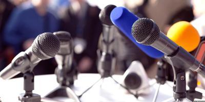 Flere ulike typer mikrofoner. Bilde.
