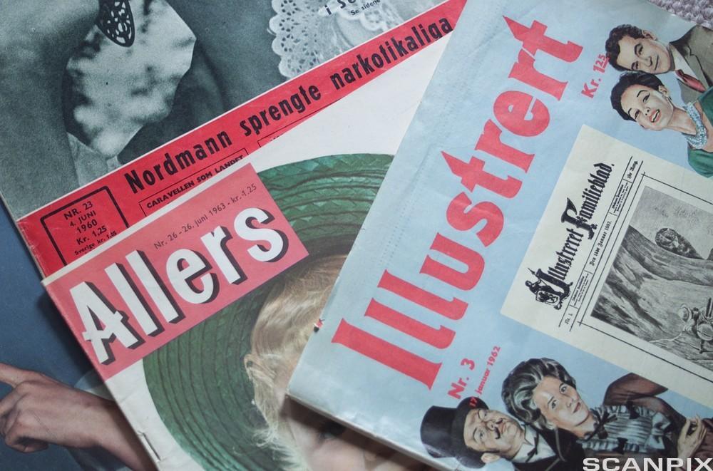 Framsider på gamle magasiner. Foto.