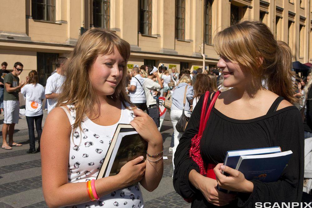 Elever ved videregående skole. Foto.
