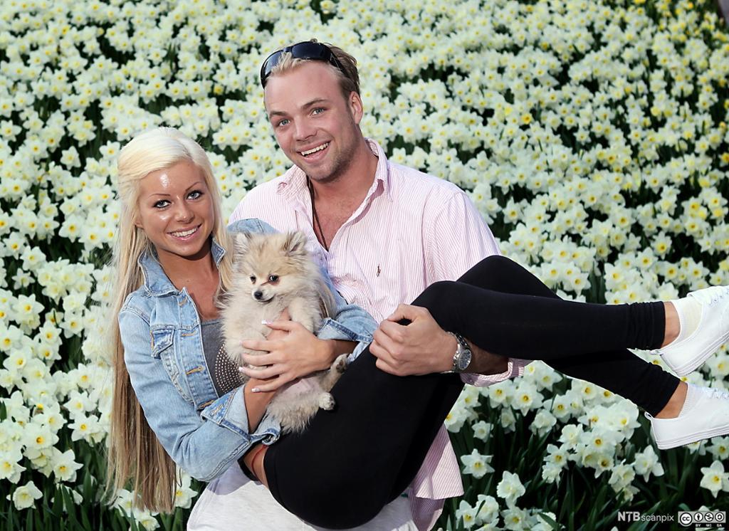 """vinnerne av TV3s reality-serie """"Paradise Hotel 2010"""": Tine Helene Valle og Carl Eliassen. Foto."""