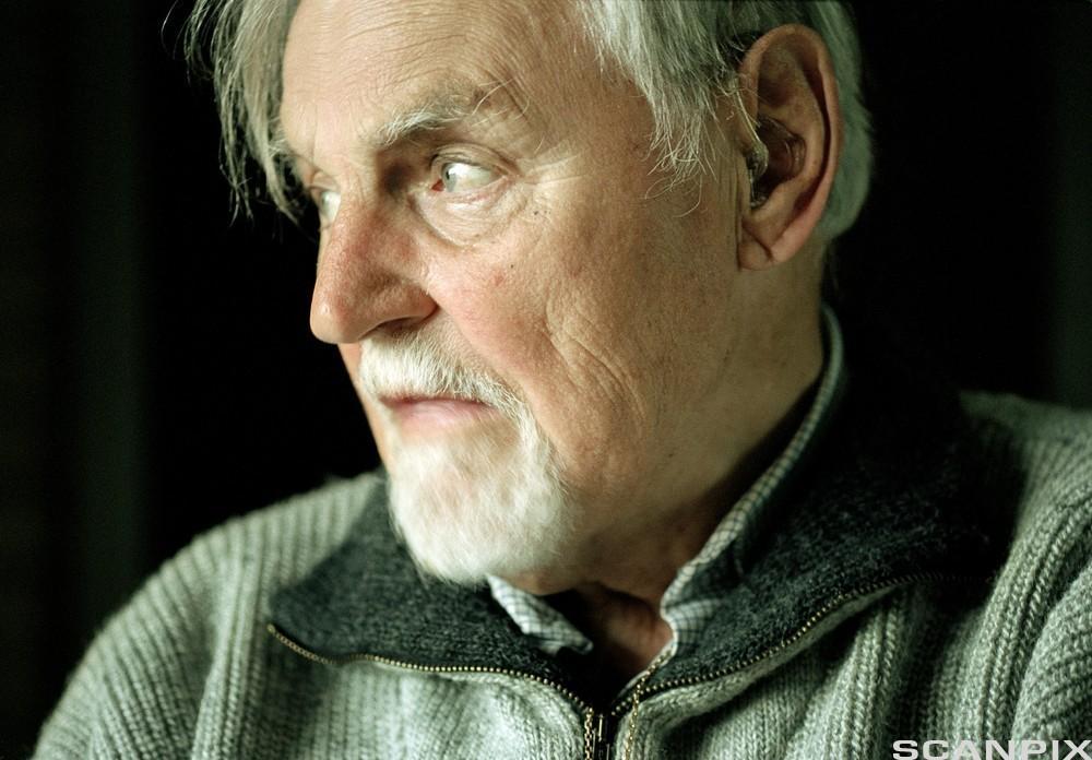 Nærbilde av gammel mann. Foto.