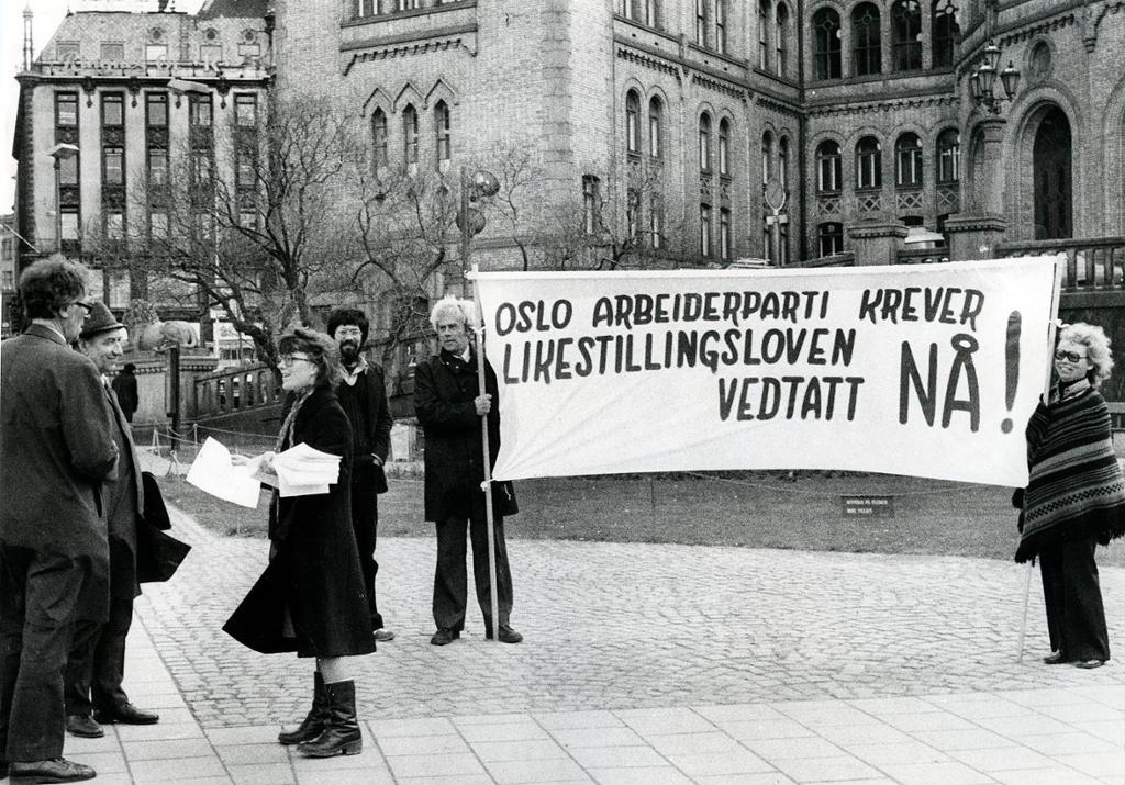 Bilde fra likestillingsdemonstrasjon, 1978. Foto.