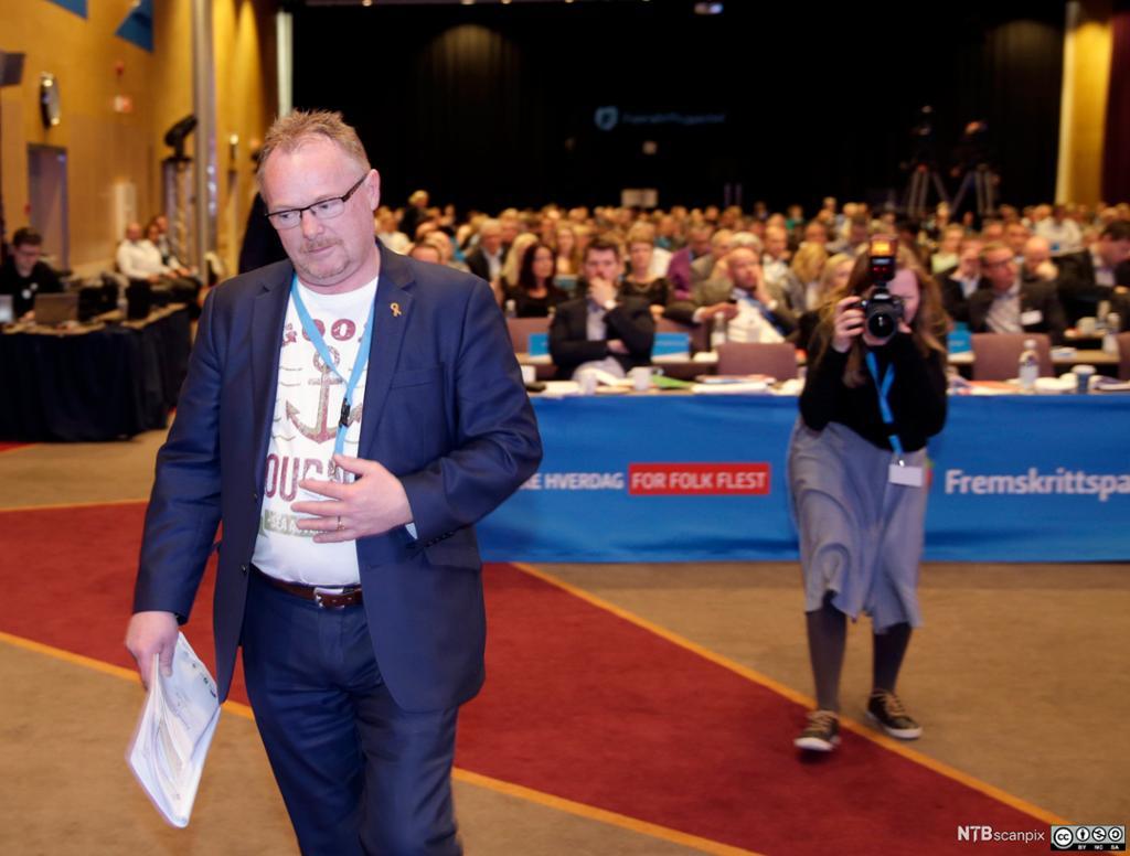 Politiker Per Sandberg på FrPs landsmøte. Foto.