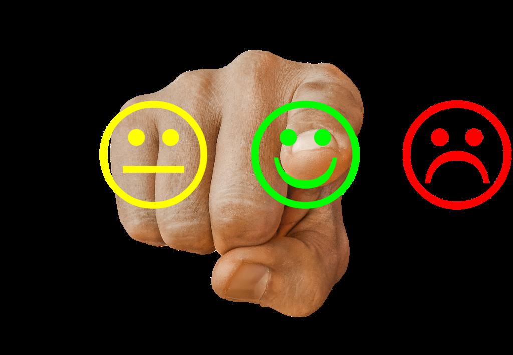 3 emojies som symboliserer hhv lav, middels og høy tilfredshet. Illustrasjon.