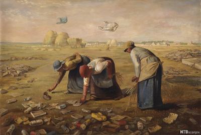 Tre eldre damer i gammel klesdrakt bøyer seg for å plukke opp søppel fra bakken. Maleri.