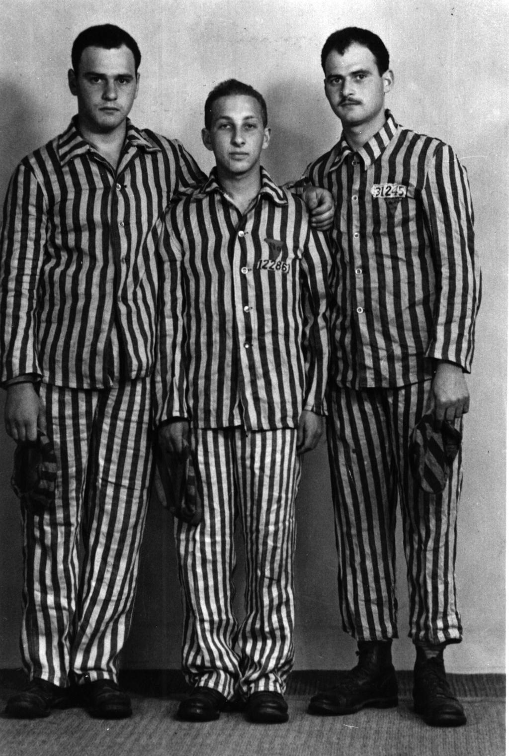 Etter frigjøringen fra konsentrasjonsleiren Buchenwald, 1945. Fra venstre Pelle Hirsch, Julius Paltiel og Assor Hirsch.