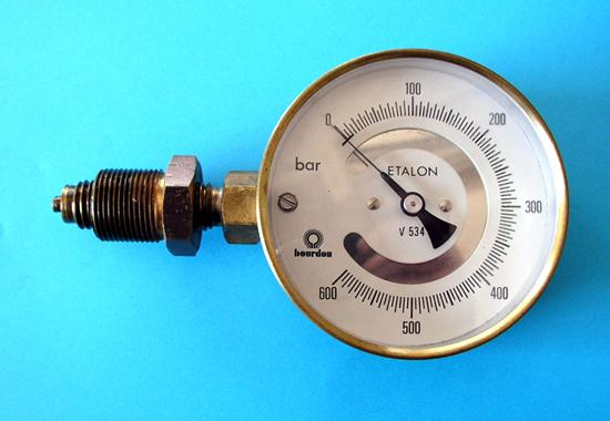 Trykkmanometer. foto.