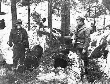 Gutta på skauen under andre verdenskrig. Foto.
