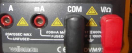 Tilkobling av multimeter ved spenningsmåling. Foto.