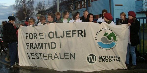 bilde av demonstrasjon mot oljeborring