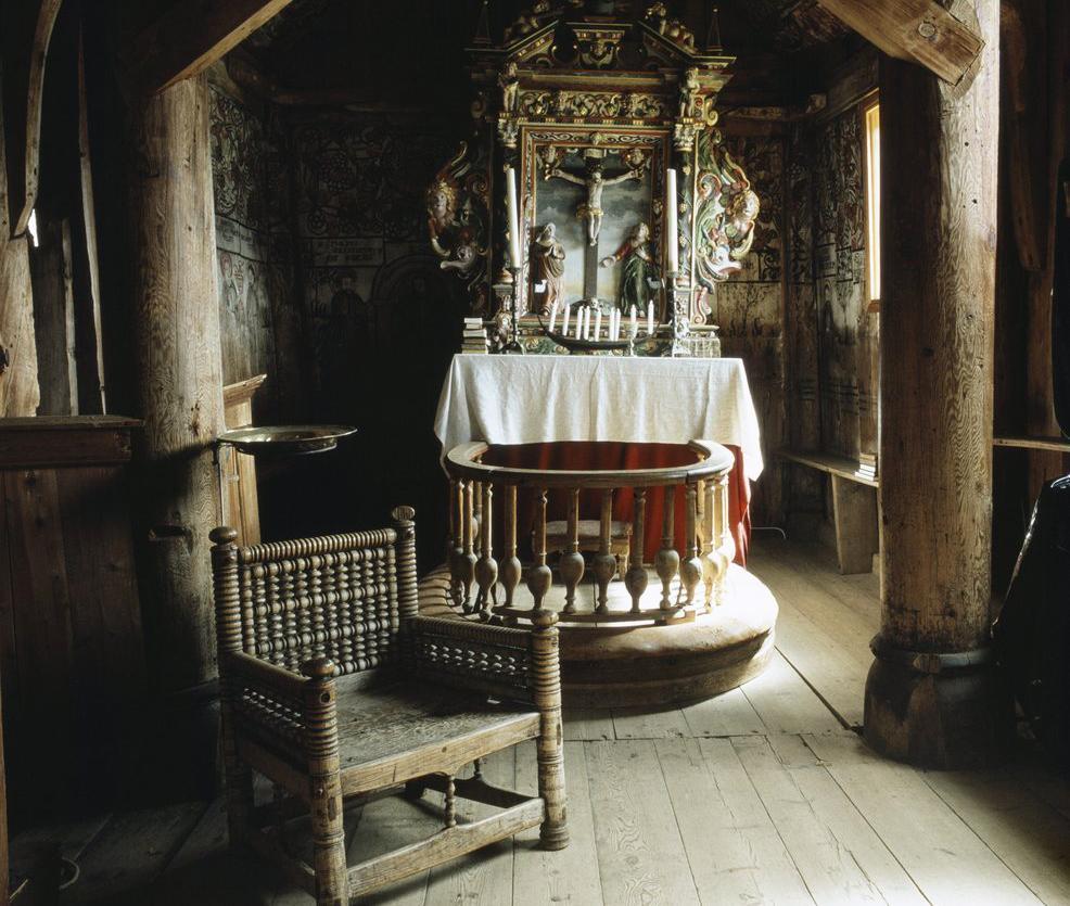 Alteret i Urnes stavkirke i Sogn