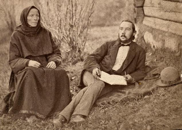 Liv Bratterud fra Bø forteller eventyr for Moltke Moe, sommeren 1878. Foto.