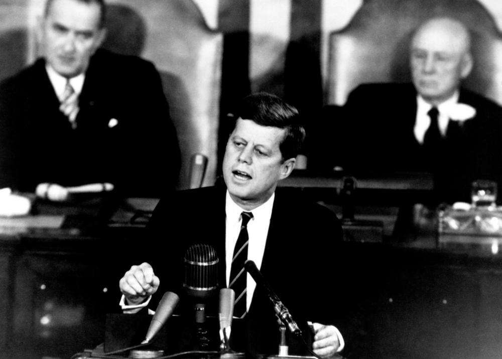 President John F. Kennedy taler om månelandingen. Foto.