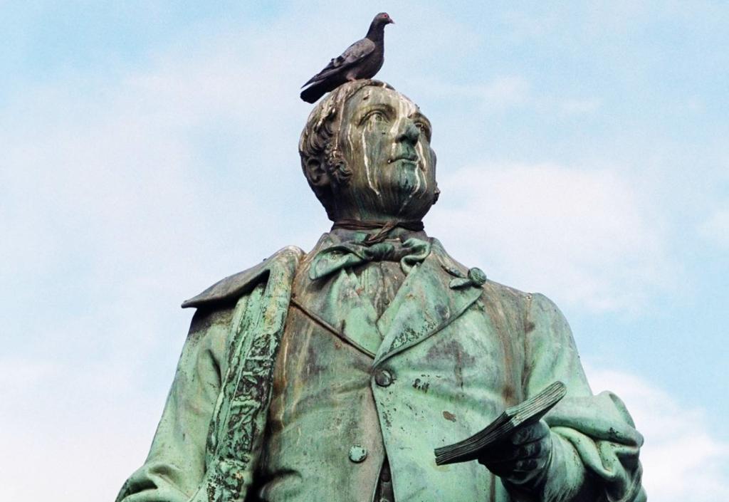 Statue av Henrik Wergeland